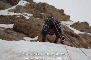 Escuela de montaña. Curso de escalada en hielo julio 2016