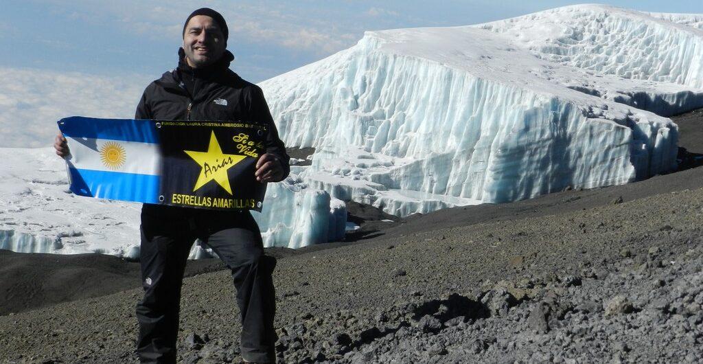 Monte Elbrus, volcán Kilimanjaro y Denali. Proyecto Siete Cumbres Estrellas Amarillas