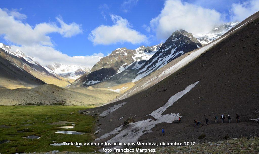 trekking avión de los uruguayos